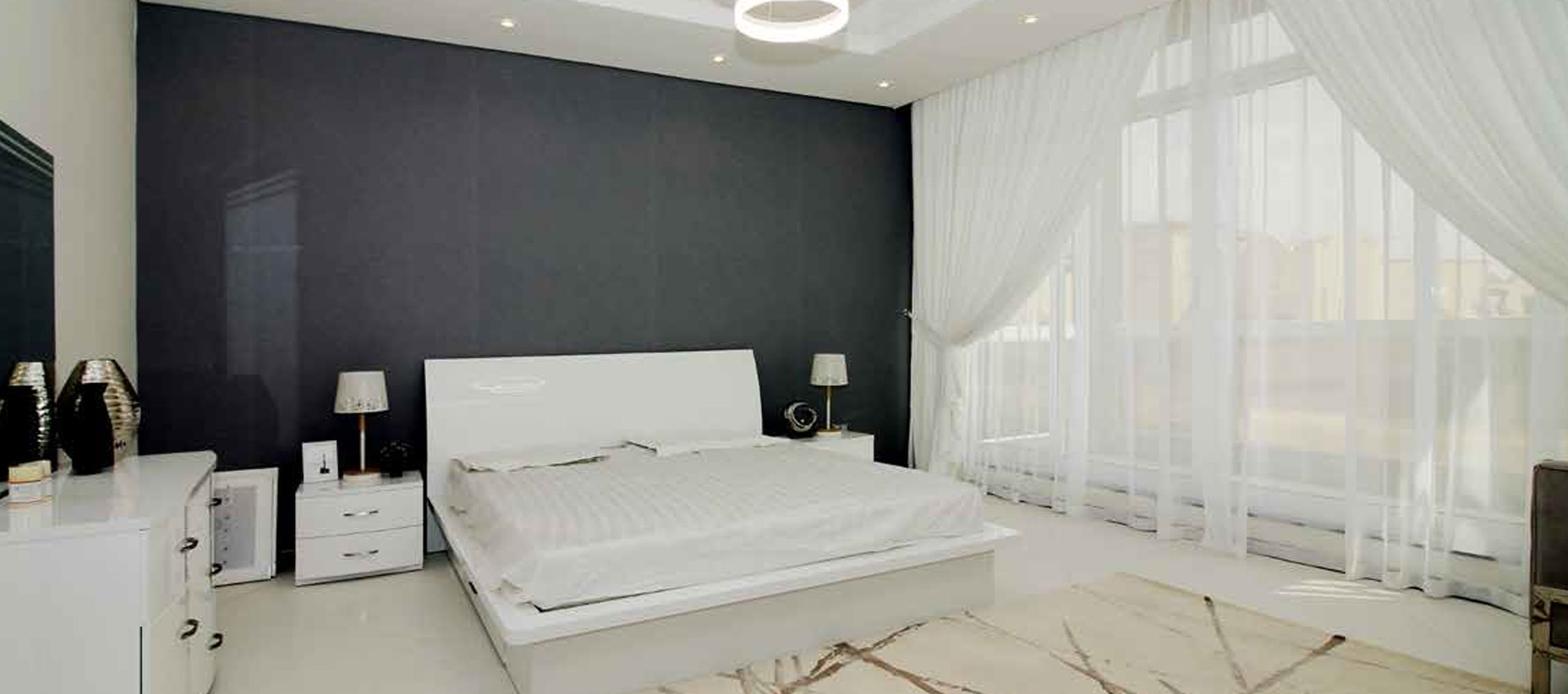 <div>Luxury 3 Bedroom Apartment with 2 Parkings</div>