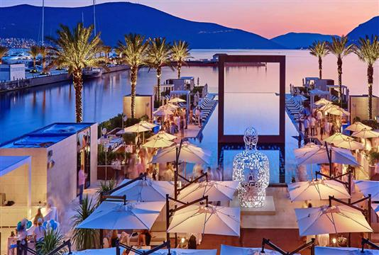 Regent Pool Club Residences Baia