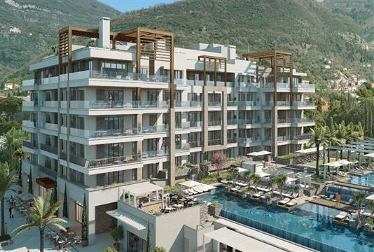 Regent Pool Club Residences Aqua