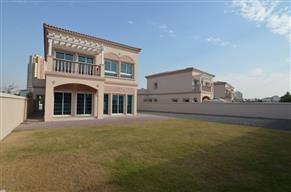 Best location 2 bed villa opposite park