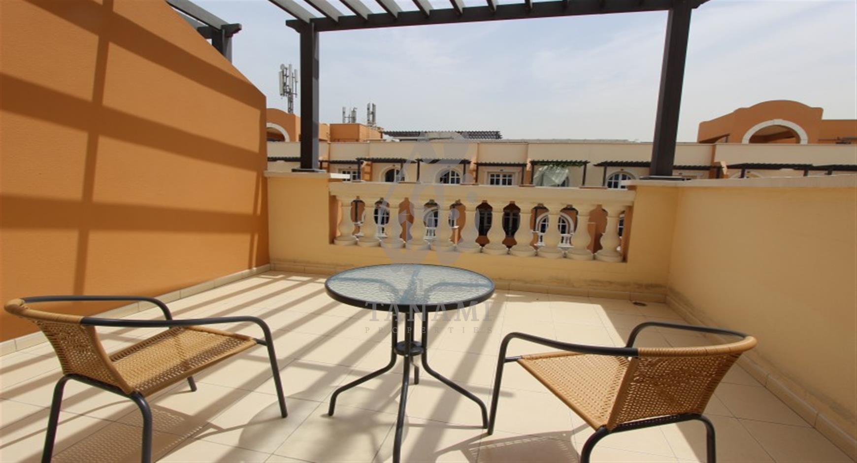 Top floor 2 double BR apt with 2 balconies