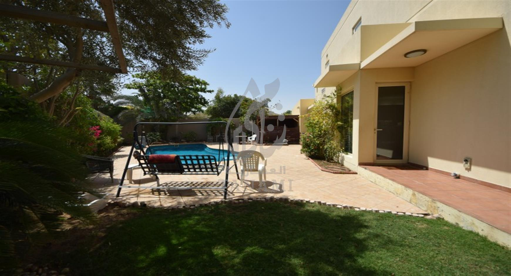 Upgraded 5 Bed w/ pool and close to school